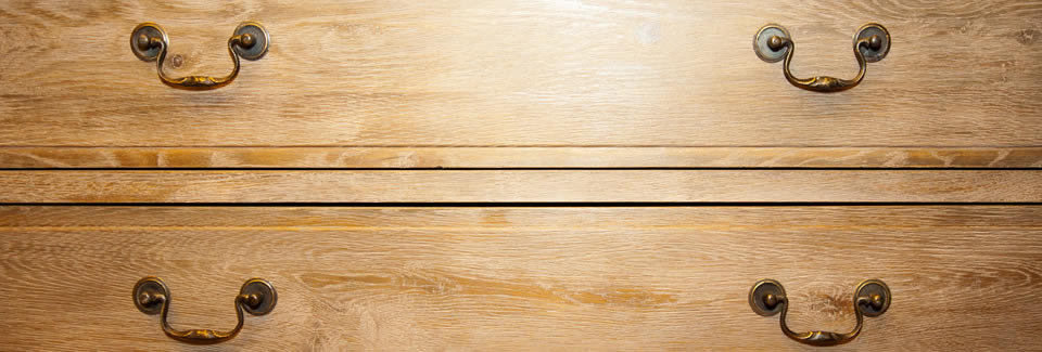 /pine-by-design-furniture-case-studies/oak-craftsmanship-chest-of-drawers-finished-with-a-clear-wax