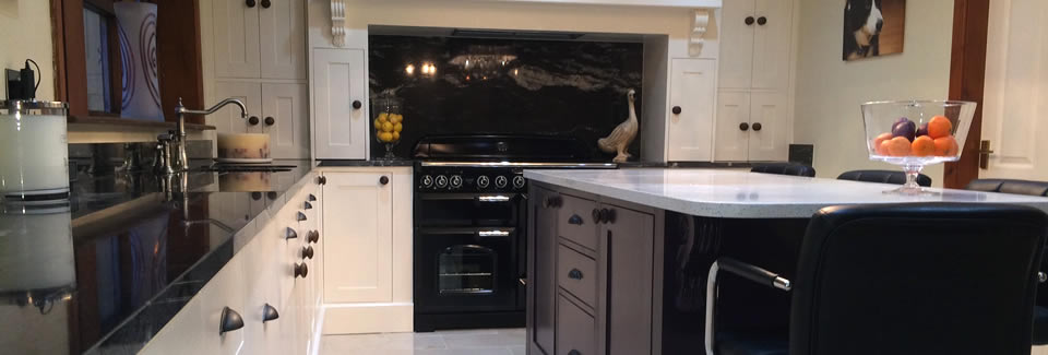 /bespoke-kitchens/pine-by-design-case-studies/handmade-shaker-kitchen-painted-with-island-and-sink